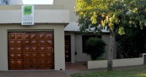 Excelente propiedad en Jáuregui